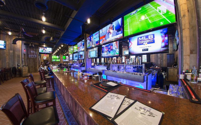 9 Bars to Watch the Giants in Bergen County NJ