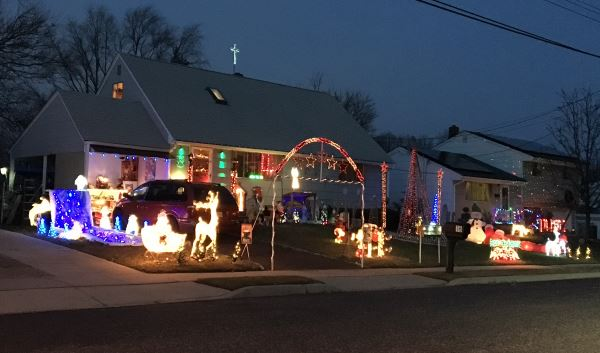 Athens Avenue Christmas Light Show in South Amboy NJ