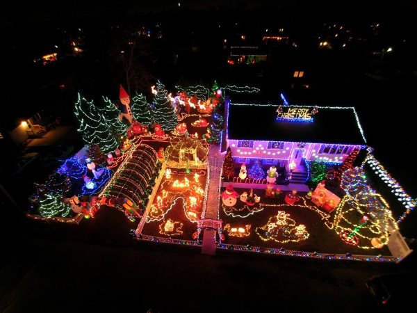 Johnnys Hazlet Holiday Extravaganza Holiday Light Show In Monmouth County NJ