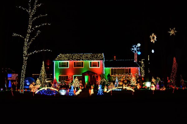 MacCary Christmas Holiday Light Show In Central NJ