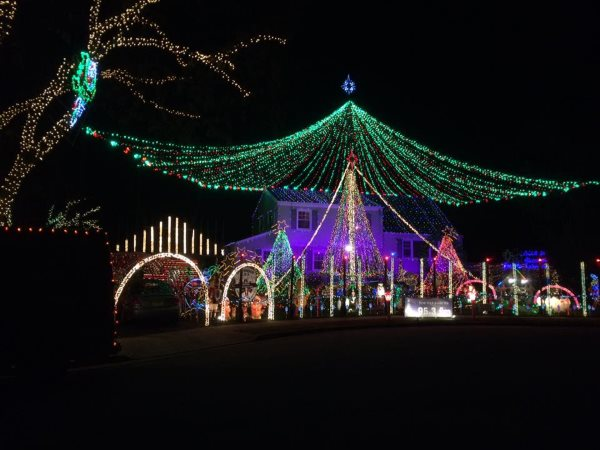 The Kloos Family Lights Christmas Light Display In Central NJ