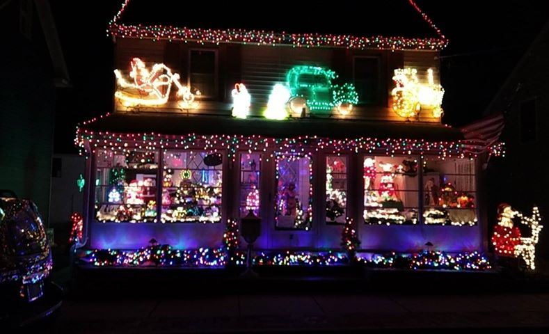 Trimble Street Christmas Lights Christmas Village Display In Burlington County NJ