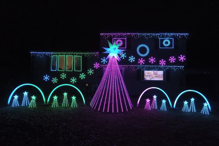Weber Family Lights Christmas Light Show In Central NJ