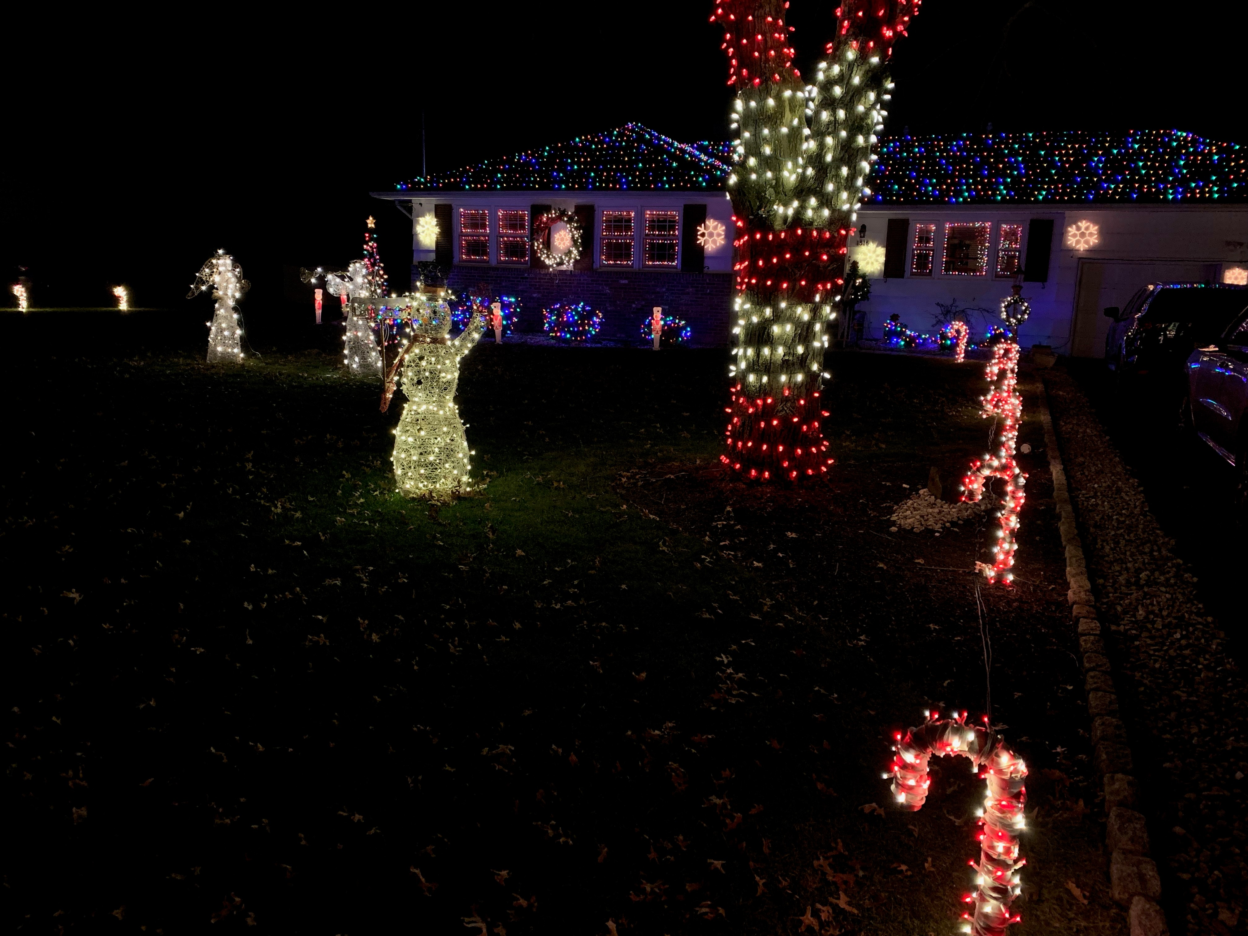 Mega Cavern Christmas Lights.Where To See The Best Christmas Light Displays In Nj 2018